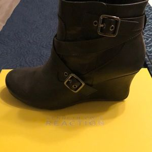 Kenneth Cole Reaction black wedge booties